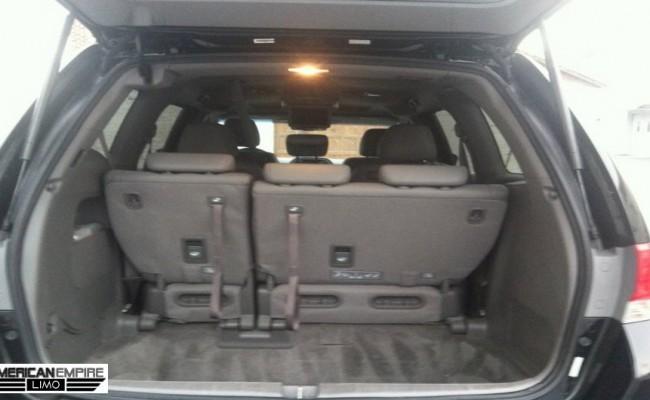 Honda-Minivan-Odyssey-2010-Black-7-passengers-int-lg1