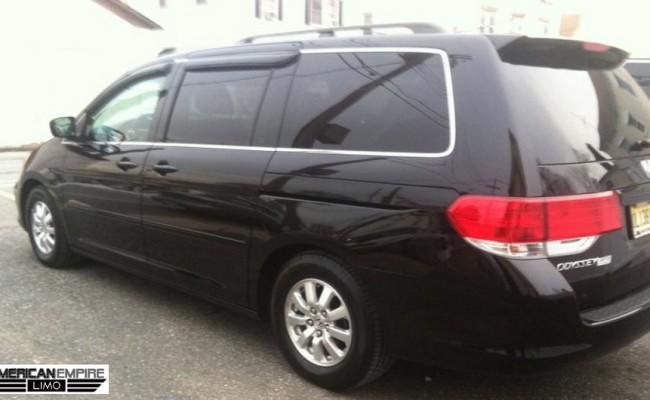 Honda-Minivan-Odyssey-2010-Black-7-passengers-lg2