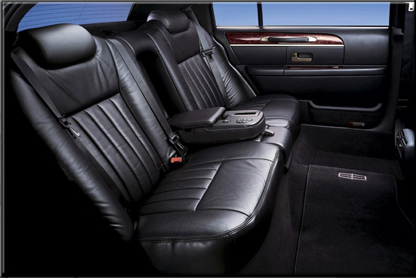 ... Lincoln Town Car Black 2009 4 Passenger Int1 ...